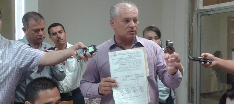 Denuncian ciudadanos irregularidades en instalación de antena