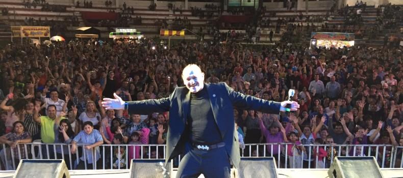 Teo González llenó de risas la Expo Feria Canaco 2015 en #Guamúchil