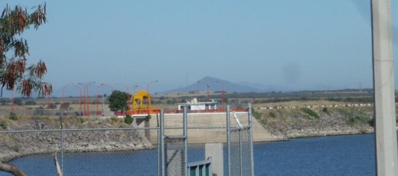 Agua desfogada en la presa Eustaquio Buelna hace falta a cultivos: Sagarpa