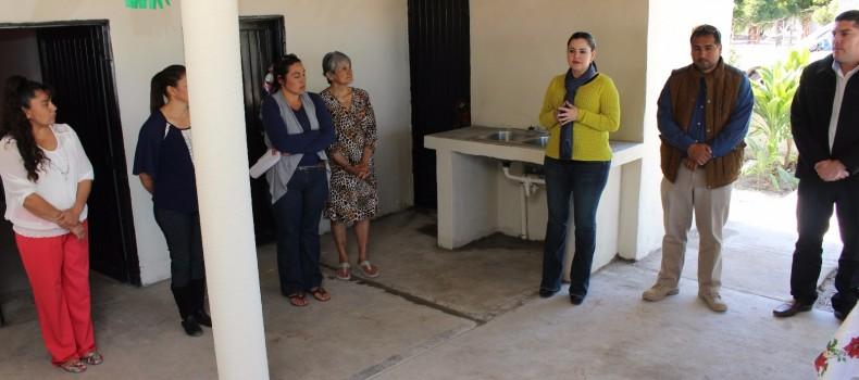Entrega Liliana Cárdenas Acciones de Rehabilitación en la Infraestructura de Cocinas Comunitarias