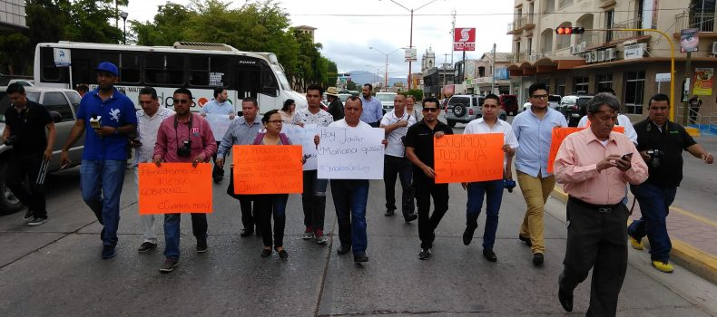 MARCHAN PERIODISTAS EN DEMANDA DE JUSTICIA POR ASESINATO DE JAVIER VALDEZ