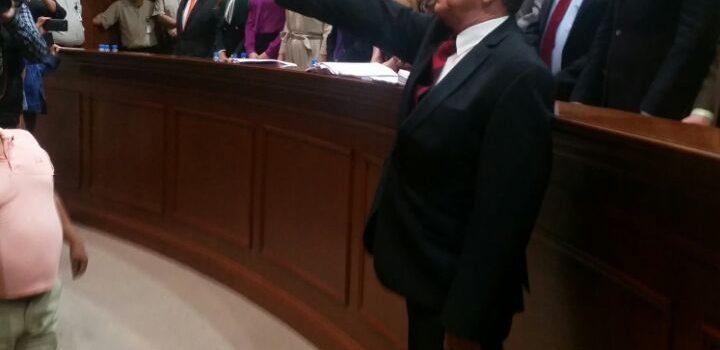 """Flavio Sánchez Rivera, rinde protesta como alcalde sustituto de """"Salvador Alvarado"""""""