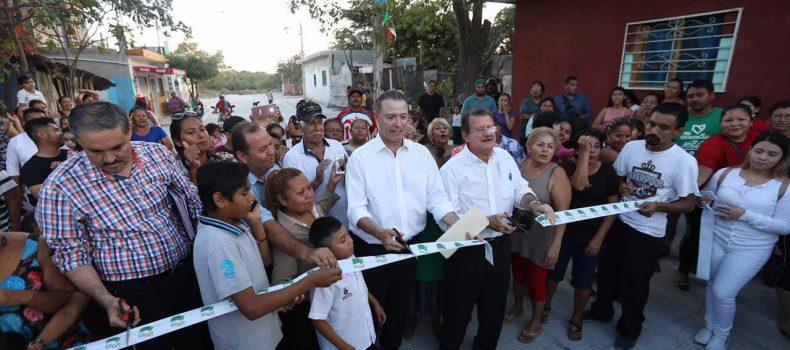 Quirino entrega, inicia y supervisa pavimentación de calles en Mazatlán por 156 mdp