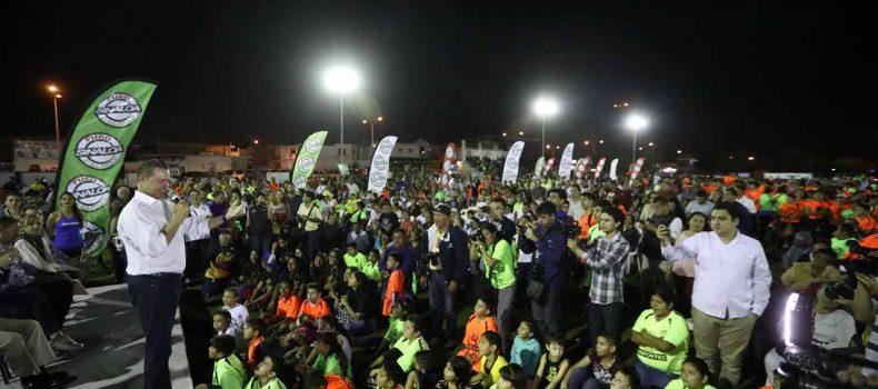 Inaugura Quirino Ordaz la remodelación de la Unidad Deportiva Toledo Corro