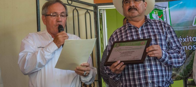Reconocen Agrónomos de Sinaloa a José Luis Angulo Valdez