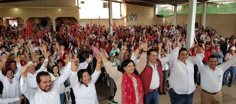 RECIBE OSCAR CAMACHO RESPALDO DE DELEGADOS PRIISTAS A LA CONVENCIÓN MUNICIPAL