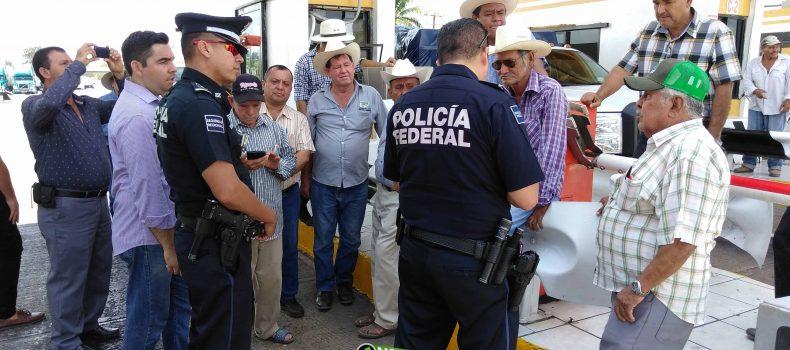 AMENAZAN CAMPESINOS CON TOMAR LA CASETAS DE COBRO DE SINALOA EL PROXIMO LUNES