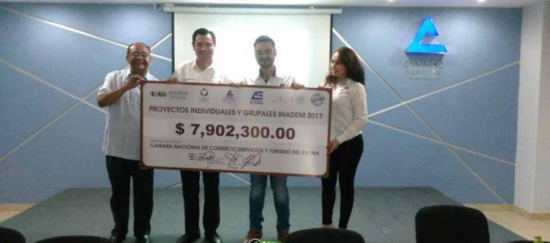 ENTREGAN A EMPRENDEDORES CASI 8 MILLONES DE PESOS