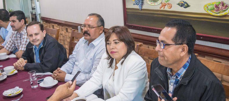 CONFÍA ARMANDO CAMACHO OBTENER CANDIDATURA; COALICIÓN FORMALIZA RELACIONES