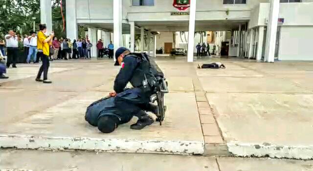 DEMUESTRAN POLICÍAS CAPACIDADES EN SIMULACRO DE ASALTO Y CRIMEN