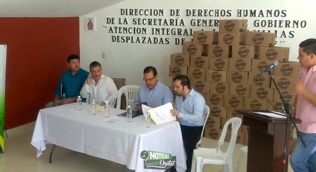 ATIENDEN GOBIERNO DEL ESTADO A DESPLAZADOS EN GUAMÚCHIL