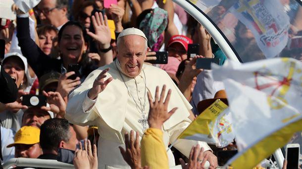 """""""Hubo curas y también obispos que abusaron de monjas"""", dice el Papa"""