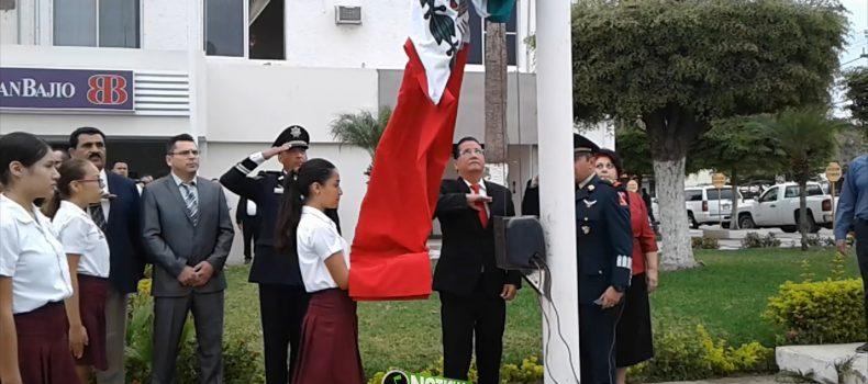 Conmemoran el 102 aniversario de la Constitución Política Mexicana de 1917