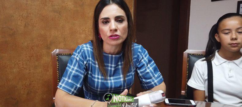 """PLANEA DIF FABRICAR PELUCAS ONCOLÓGICAS; INVITAN AL """"MERCADITO CON CAUSA"""""""