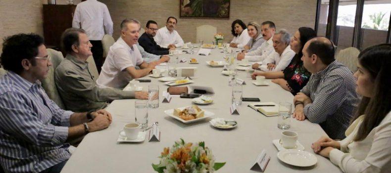 Quirino sostiene encuentros con diputados y senadores