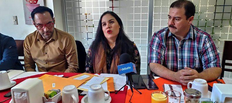 IBÁN DEL LEÓN SANTIAGO, POETA LAUREADO DEL CARNAVAL GUAMUCHIL 2020
