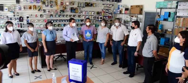 Entregan el distintivo PASE a 32 empresas en Salvador Alvarado