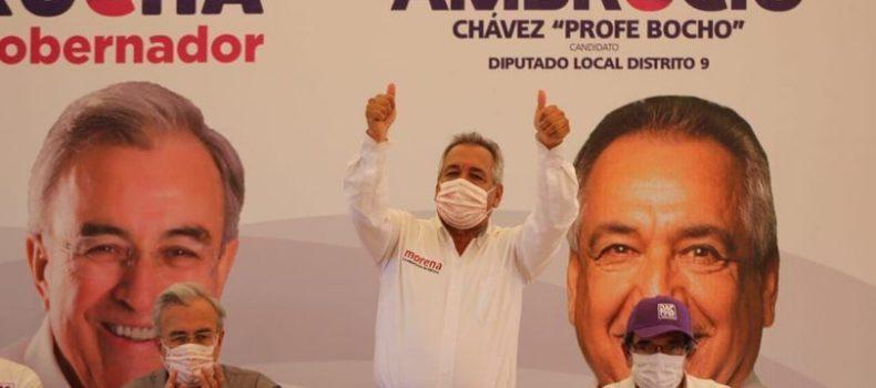 Ambrocio Chávez destaca y gana el debate del IEES.