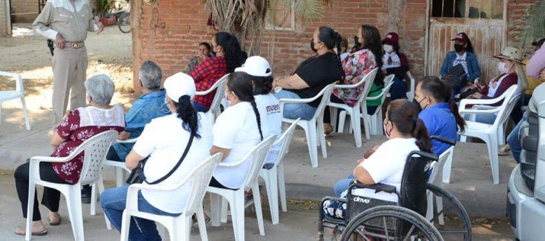 """Vecinos de colonia """"Labastida Ochoa' marcan directrices para el Plan Municipal de Desarrollo del Miguel Ángel """"El Profe Mayke"""" Angulo Acosta."""