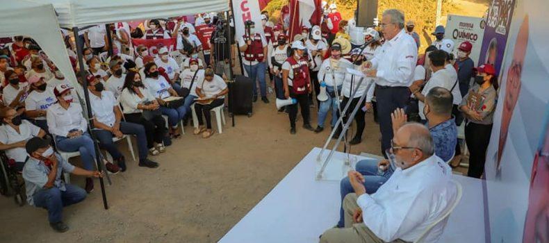Rocha Moya implementará programas y apoyos para fomentar el arraigo entre los jóvenes .