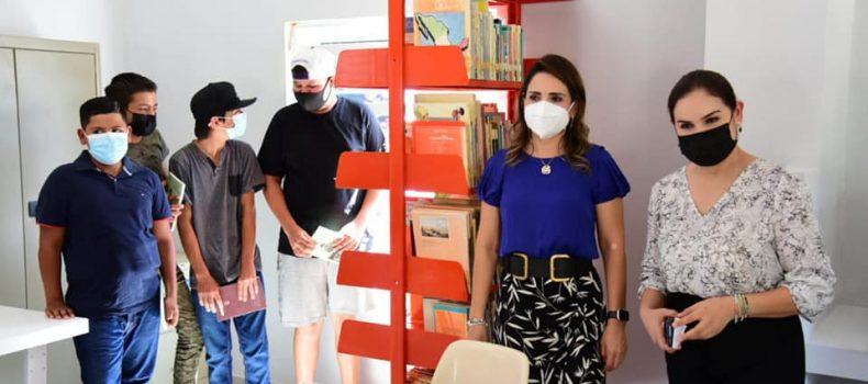 Rehabilitan biblioteca de El Salitre en Salvador Alvarado.