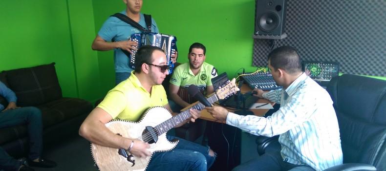 @doble_bandera en entrevista con Iván Ordorica en La Rosca Radio de Guamúchil Digital