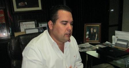 Analizará José Eleno Quiñónez la posibilidad de que le sea asignada seguridad personal