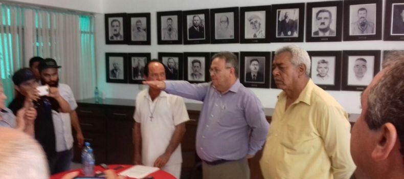 BUSCA ALCALDE DE ANGOSTURA MANTENER EQUIPO DE TRABAJO; A CAMPAÑAS POLÍTICAS PREVIA RENUNCIA