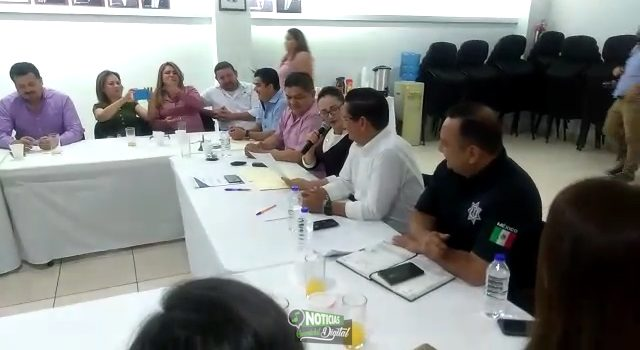 PIDEN COMERCIANTES A CARLO MARIO ORTIZ RESPALDO Y PROTECCIÓN AL SECTOR