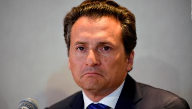 Este viernes Emilio Lozoya Austin, ex director de Petróleos Mexicanos (Pemex), confeso que pagó sobornos por 52 millones 380 mil pesos a legisladores del PAN, esto para que aprobaran las reformas del Pacto por México.