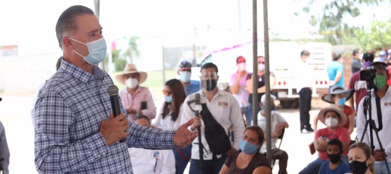 Inaugura Quirino tres colectores en Los Mochis