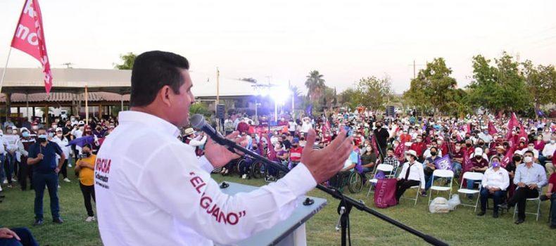 Armando Camacho, recibe apoyo incondicional de varios sectores, en distintos encuentros masivos.