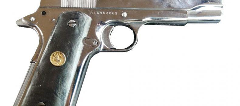 Dos civiles son asegurados en Guasave por llevar un arma corta.