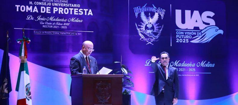 Doctor Jesús Madueña Molina rinde protesta como Rector de la UAS para el periodo 2021-2025.