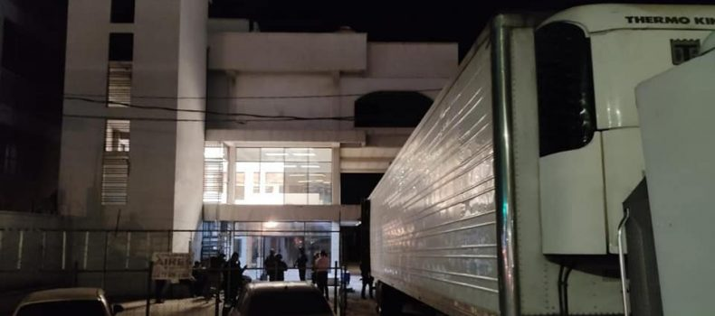 Policía Estatal asegura a trece civiles; presuntamente robaban en bodega.