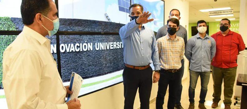 Doctor Madueña Molina toma protesta a seis integrantes más de su equipo de trabajo.