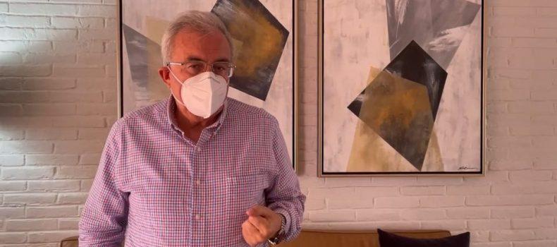 Rubén Rocha Moya hace un llamado a jóvenes a vacunarse contra el COVID-19.