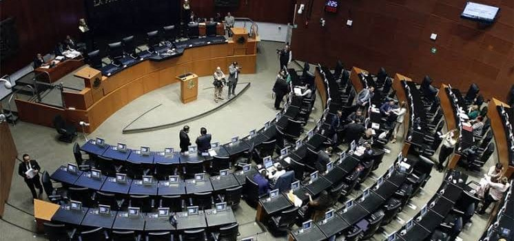 Senado avala Ley de Revocación de Mandato con modificación de pregunta.
