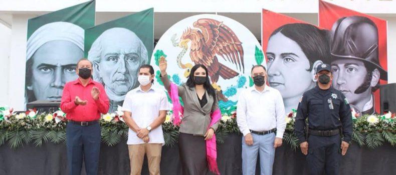 Ayuntamiento conmemora el aniversario 211 de la Independencia de México.
