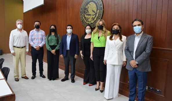 SE REGISTRA EL GRUPO PARLAMENTARIO DEL PRI DE LA LXIV LEGISLATURA EN EL CONGRESO DEL ESTADO DE SINALOA.